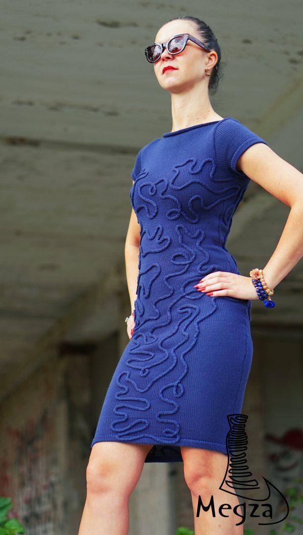 MGZ-206 Melyna megzta suknele Megza3 logo melyna suknele, Megza sukneliu namai, juoda progine suknele, megzta suknele, prabangi suknele, juoda suknele, klasikine suknele, rubai 1