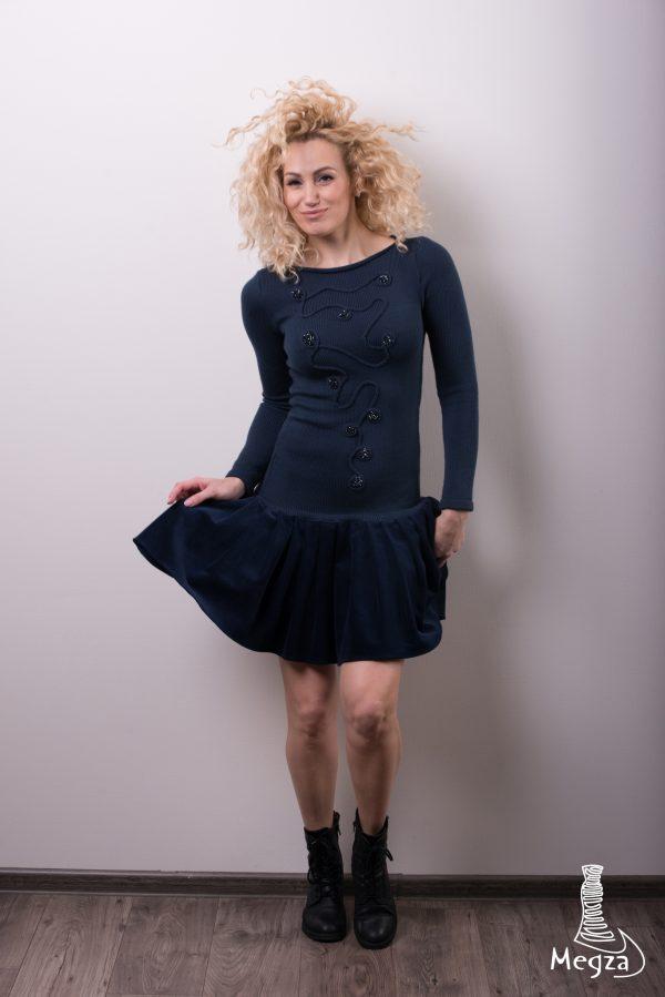 257. Progine suknele Megza vestuvine suknele, vestuvines sukneles, progine suknele, megzta suknele, prabangi suknele, melyna2, laisvalaikio suknele, sukneliu nuoma, vakarine suknele, suknele darbui 4