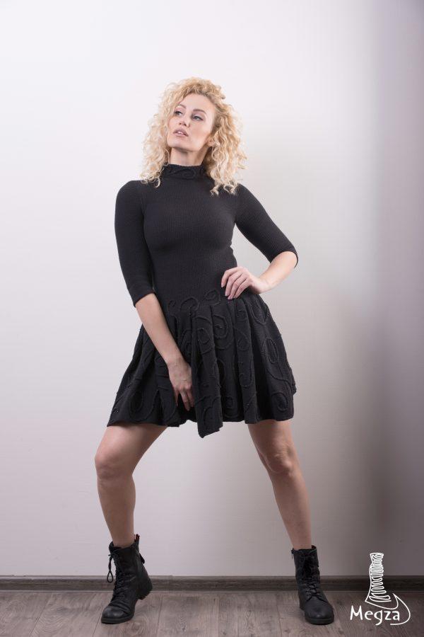 276. Progine suknele Megza vestuvine suknele, vestuvines sukneles, progine suknele, megzta suknele, prabangi suknele, melyna, juoda suknele, megzta suknele, kasdienine suknele, klasikine suknele 1